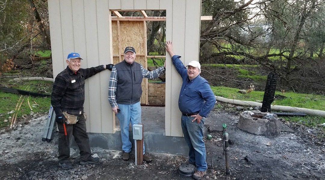 Sunrise-Rotary-rebuilding-the-well-house-at-Glen-Oaks-Ranch